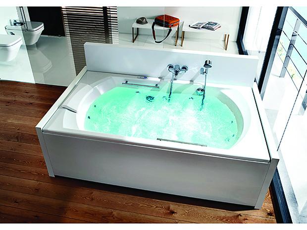 Thalassa bathtub from Roca