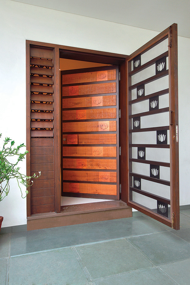 A play of patterns for Residential main door design