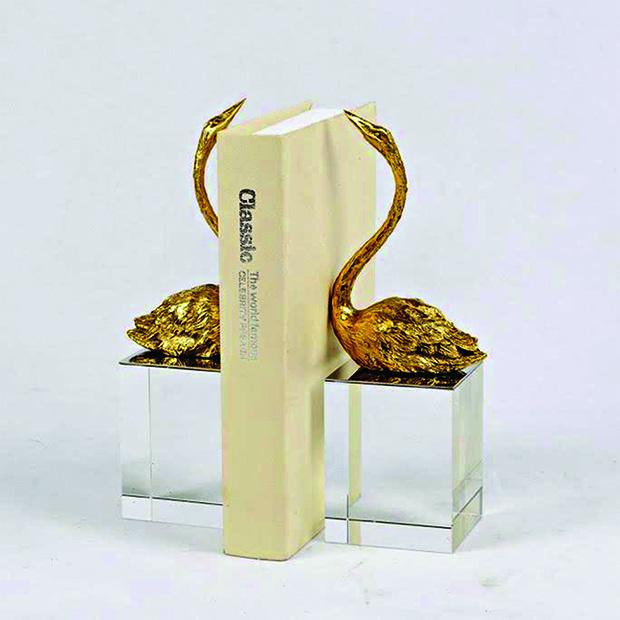 Spacio.S 2 - Gold Swan copy