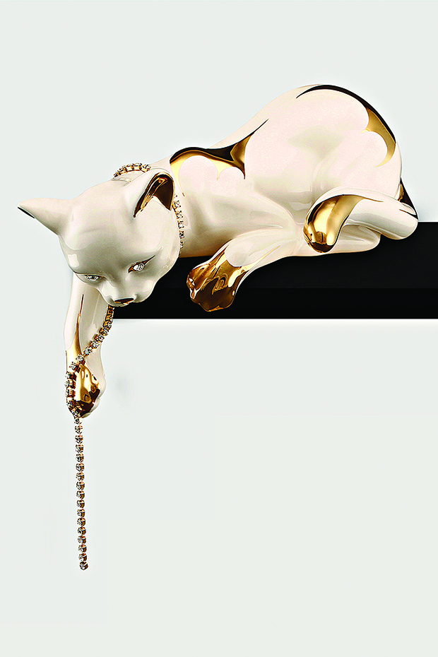idus-jumping-cat-with-low-tail-in-ceramic copy