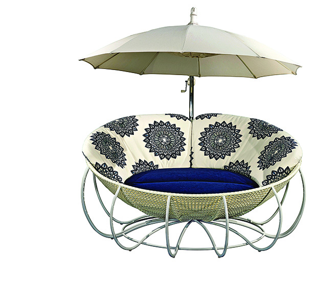 Ace Maison-FF Nicki Beach with sunshade copy