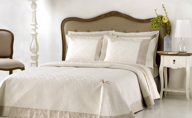GREEKKEY_BEDSPREAD_CREAM_1.jpeg